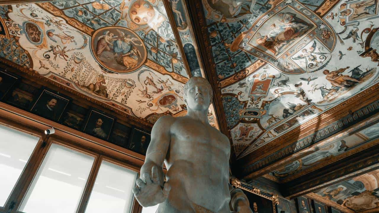 UFFIZI GALLERY Statues